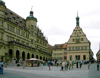 Rathausplatz Rothenburg.jpg